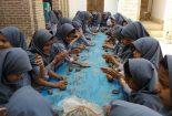 برگزاری کارگاههای خشت زنی و سفال گری در میدان خان