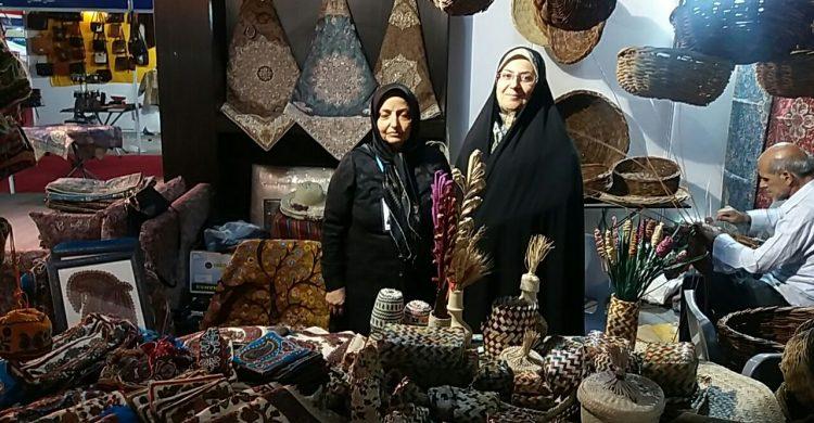 حضور هنرمندان شهرستان بافق در نمایشگاه بین المللی صنایع دستی تهران