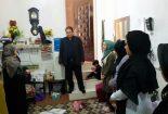 بازدید فرماندار بافق از یک کارگاه خیاطی