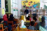 قصه گوهای بافقی قصه های خود را با لهجه شیرین بافقی بیان کردند