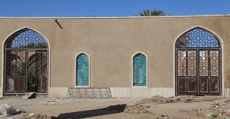 پروژه مرمت و احیای مسجد جامع قدیم بافق همچنان ادامه دارد