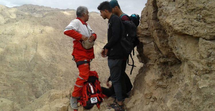 نجات سه جوان بافقی از ارتفاعات شادکام
