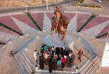کار ارزشمند شهرداری بافق برای ساخت مجسمه محمدتقی خان بافقی ستودنی است