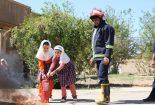 آموزش ایمنی و آتش نشانی در مدرسه آوای علم توسط واحد آتش نشانی و خدمات ایمنی شهرک آهنشهر