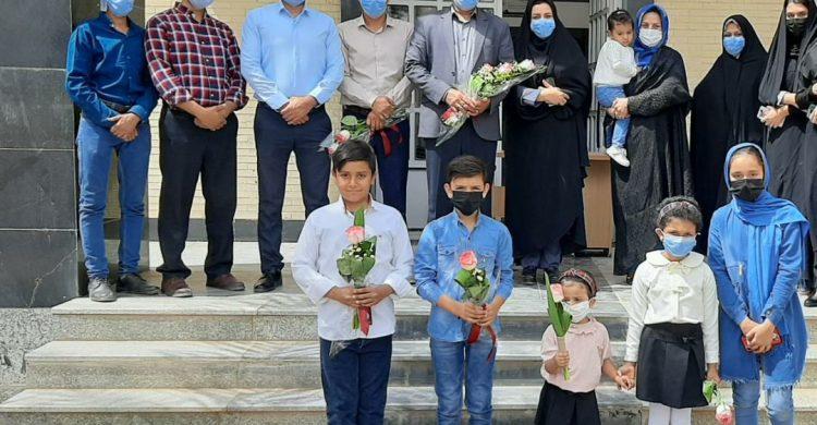 تجلیل فرزندان کارمندان بنیاد مسکن شهرستان بافق از پدران خود